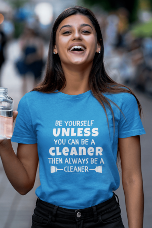 Be Yourself Savvy Cleaner Funny Cleaning Shirts Women's Boyfriend T-Shirt
